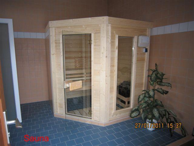 Sauna- und Duschbereich