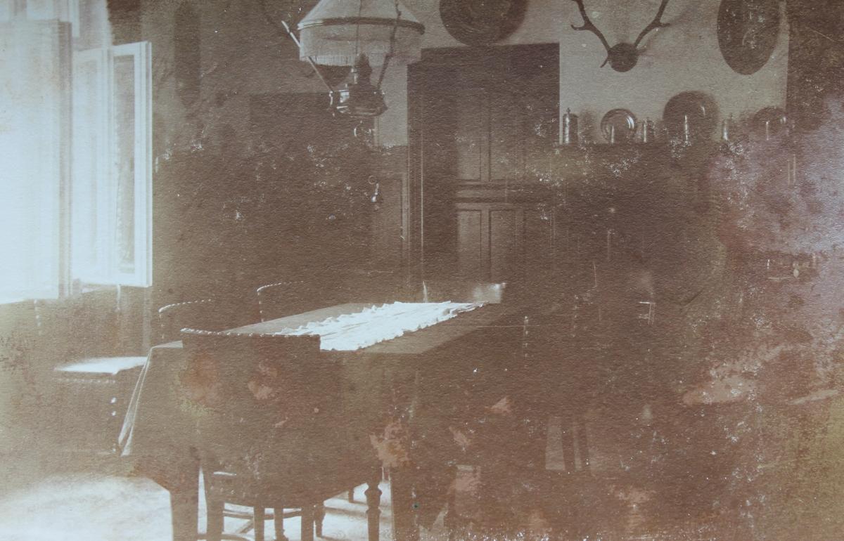 Noch ein Blick auf den Aufenthaltsraum des Logierhauses Kittel um 1890.