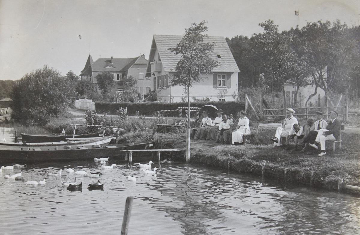 Uferpromenade in Warenthin um 1916