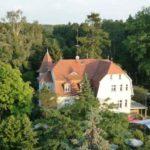 Blick auf Warenthin und das Gasthaus aus der Vogelperspektive